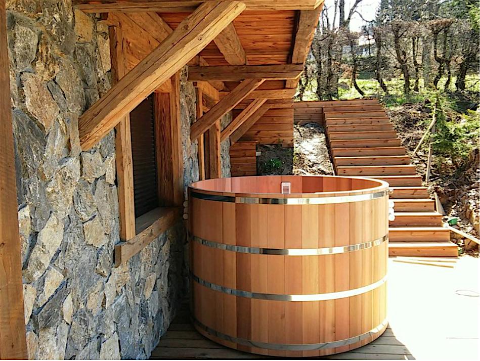 jacuzzi bois exterieur pour terrasse free pour dcorer votre terrasse la perfection il est aussi. Black Bedroom Furniture Sets. Home Design Ideas
